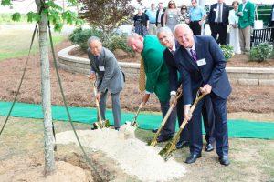 YKK AP 25th_Tree Planting